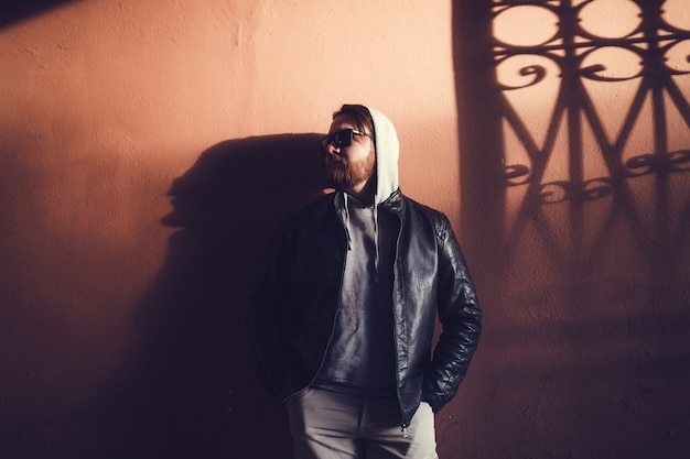 Young man in leather jacket Premium Photo