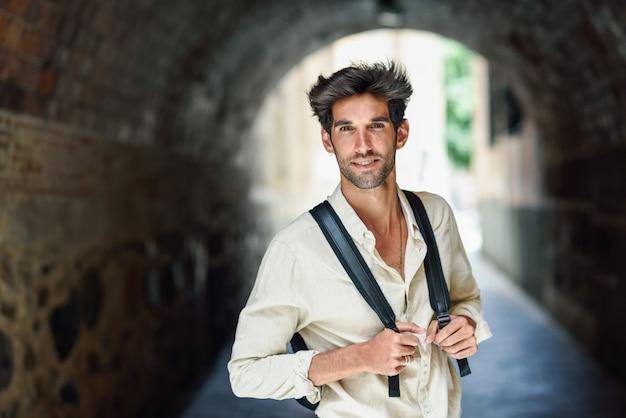 Young man sightseeing enjoying the streets of granada Premium Photo