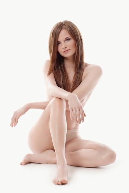 Kendall Jenner Models Completely Naked | Entertainment Tonight