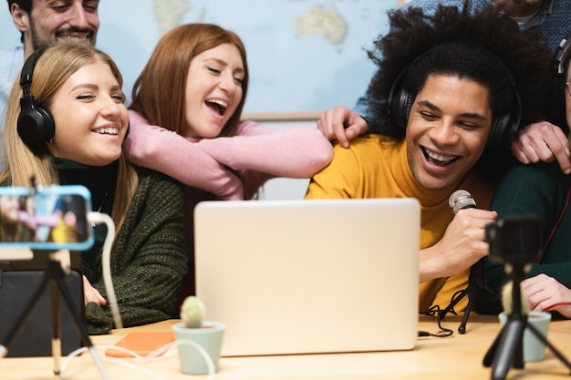 Young people friends streaming online in social network Premium Photo