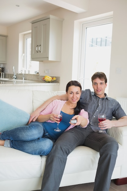 Young relaxing couple in the living room Premium Photo