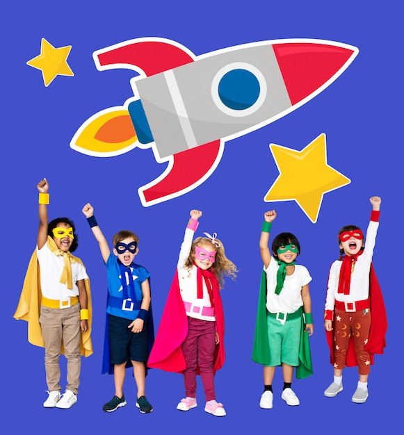 Young superheroes with a rocket icon Premium Photo