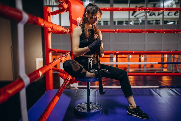 Young woman boxer training at the gym Free Photo