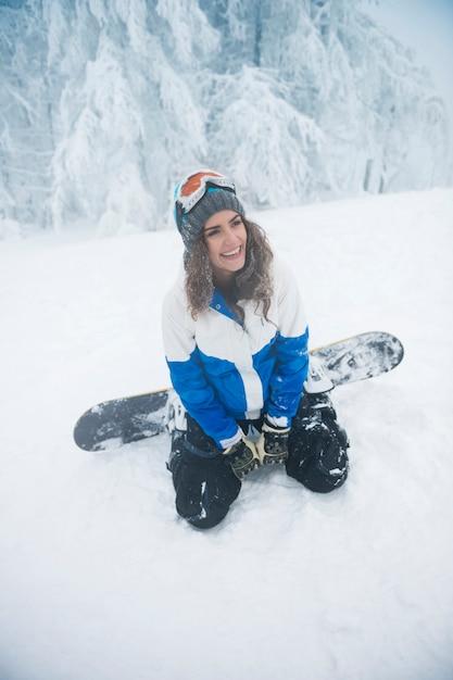 冬の時間のある若い女性 無料写真