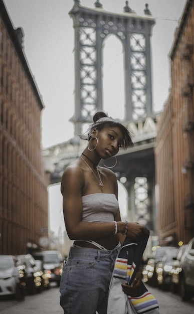 Молодая женщина в нью-йорке Бесплатные Фотографии