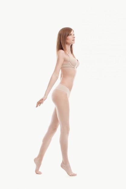 속옷, 베이지 색 브래지어와 팬티, 완벽한 피부에 포즈 젊은 여자 무료 사진