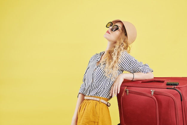 Young woman ready for vacation Premium Photo