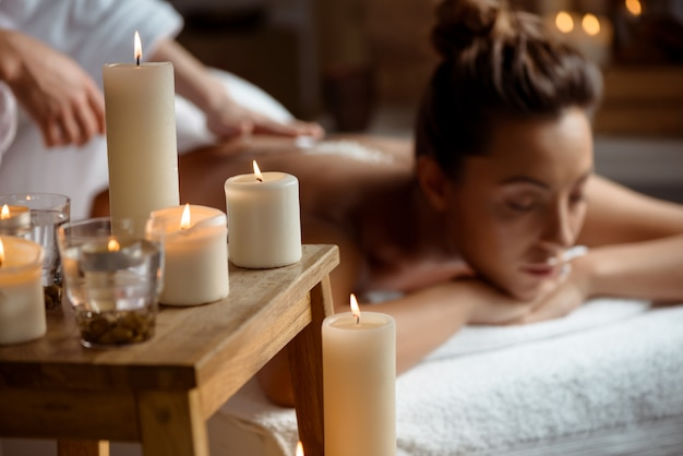 Young woman relaxing in spa salon. Free Photo