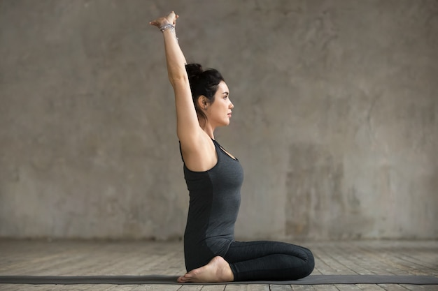 Young woman in seiza pose Free Photo
