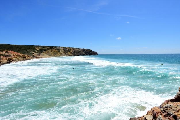 Zavial beach, vila do bispo, algarve, portugal Premium Photo