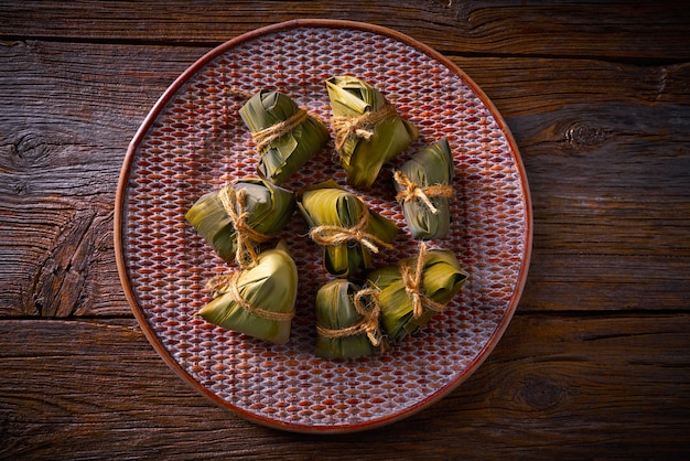 Zongzi glutinous sticky rice dumplings recipe Premium Photo