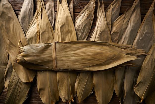 Zongziレシピ用の乾燥竹の葉 Premium写真