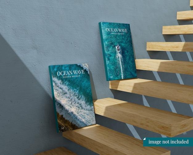 階段の2つのポスターのモックアップ Premium Psd