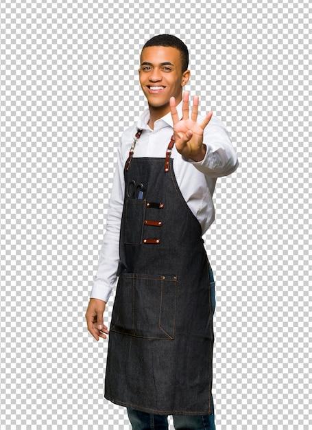 若いアフロアメリカン理髪師男幸せと4本の指で数える Premium Psd