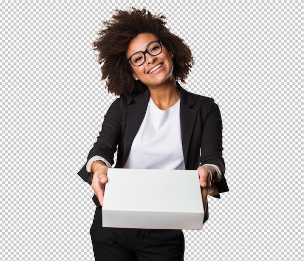 Бизнес черная женщина держит белую коробку Premium Psd