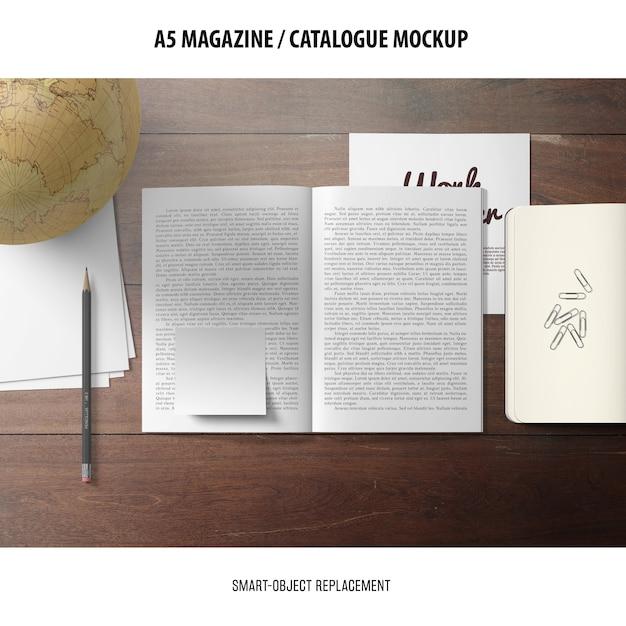 雑誌カタログのモックアップ 無料 Psd