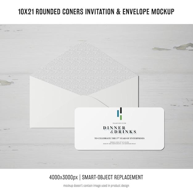 角の丸い招待状と封筒のモックアップ 無料 Psd