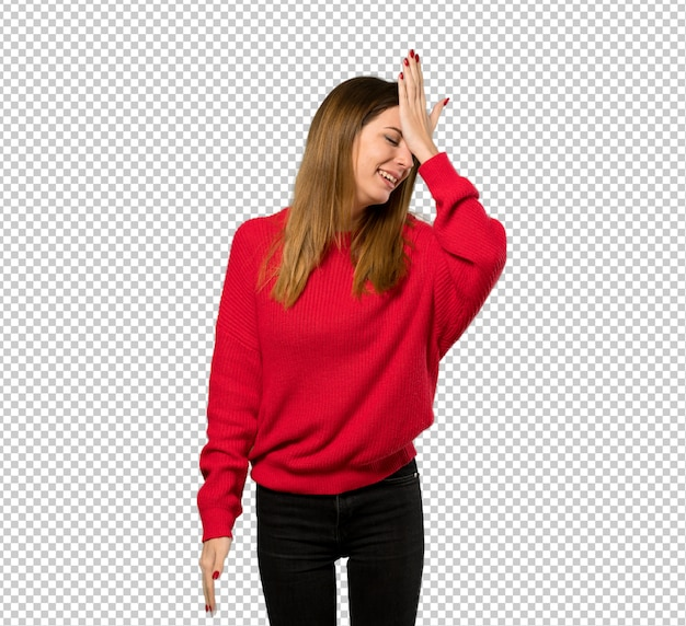 赤いセーターを持つ若い女性は何かを実現し、解決策を目指しています Premium Psd