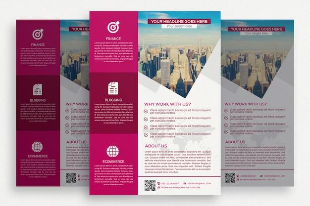 ピンクと白のビジネスパンフレット 無料 Psd