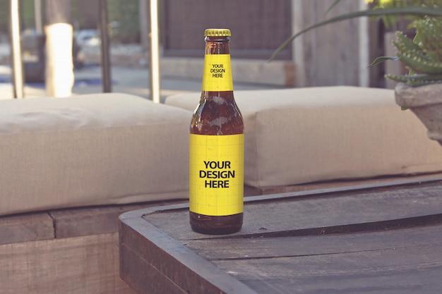 ラウンジクラブスタイルのビールモックアップ Premium Psd