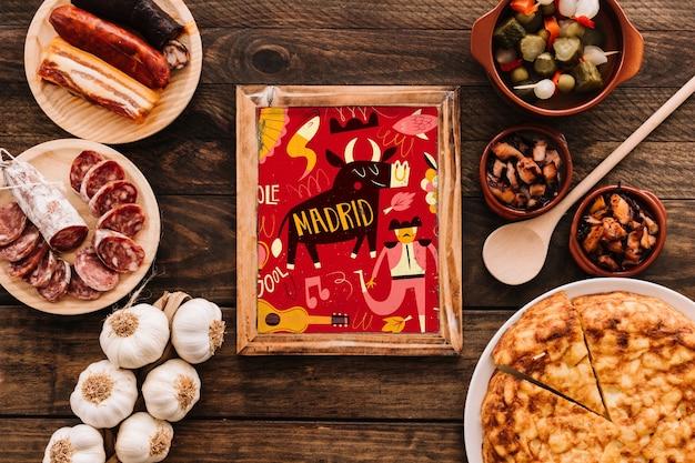 伝統的なスペイン料理とフレームモックアップ 無料 Psd