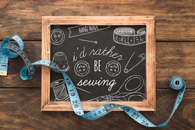 縫製コンセプトのスレートモックアップ 無料 Psd