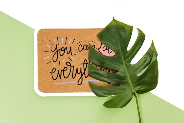 Рамка макета с тропическими листьями Бесплатные Psd
