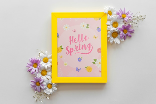 春の花とフラットレイアウトフレームモックアップ 無料 Psd