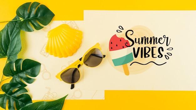 夏の概念のフラットレイアウトカードモックアップ 無料 Psd