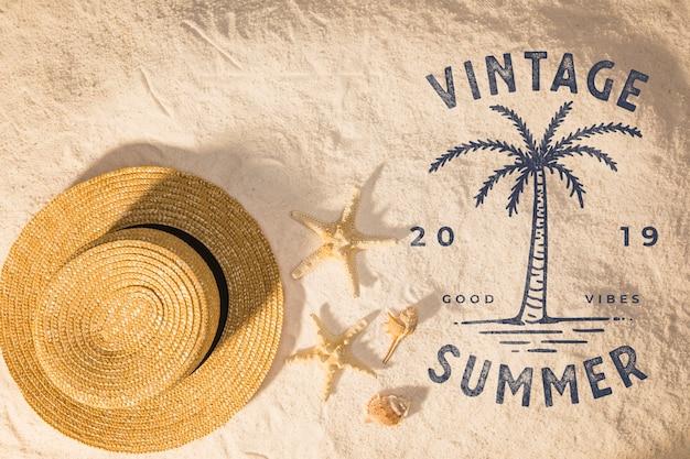 ビーチの要素を持つレタリング夏の背景 無料 Psd