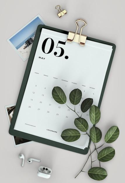 Плоский макет календаря для буфера обмена Бесплатные Psd