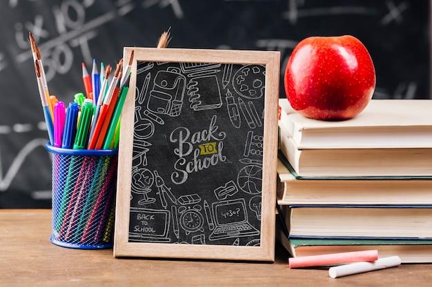 黒板で学校概念に戻る正面図 無料 Psd