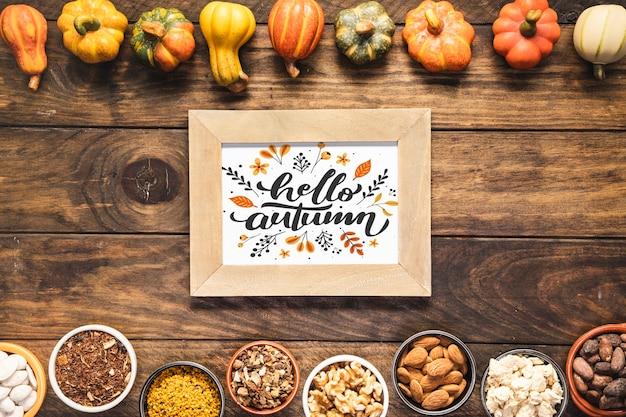 こんにちは乾燥野菜のフレームと秋引用モックアップ 無料 Psd