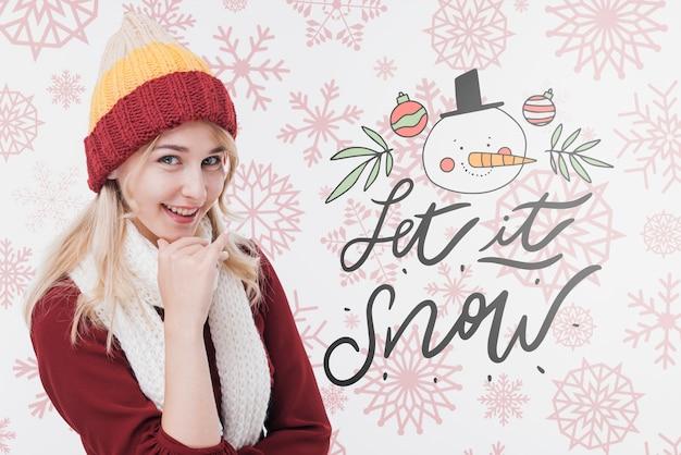 冬の帽子を持つ豪華な若い女性 無料 Psd