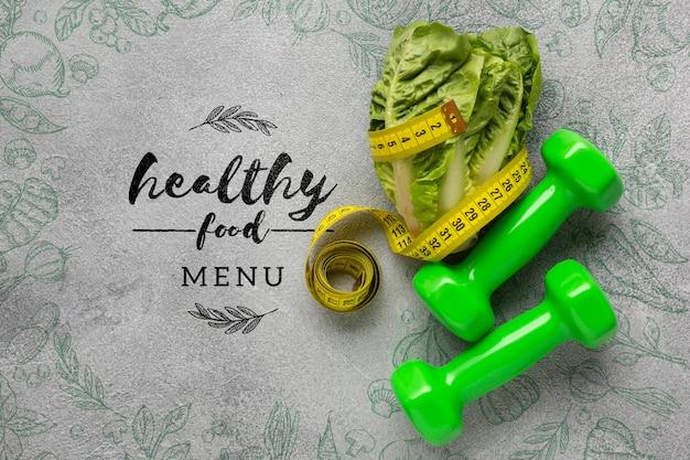 ダンベルとサラダの健康食品メニューコンセプト 無料 Psd