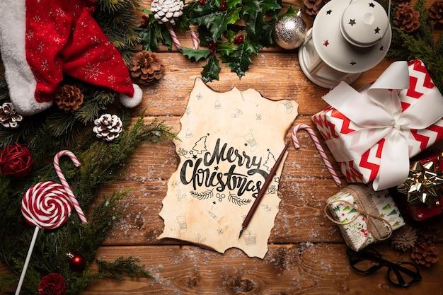 クリスマスの飾りとお菓子と手紙のモックアップ 無料 Psd