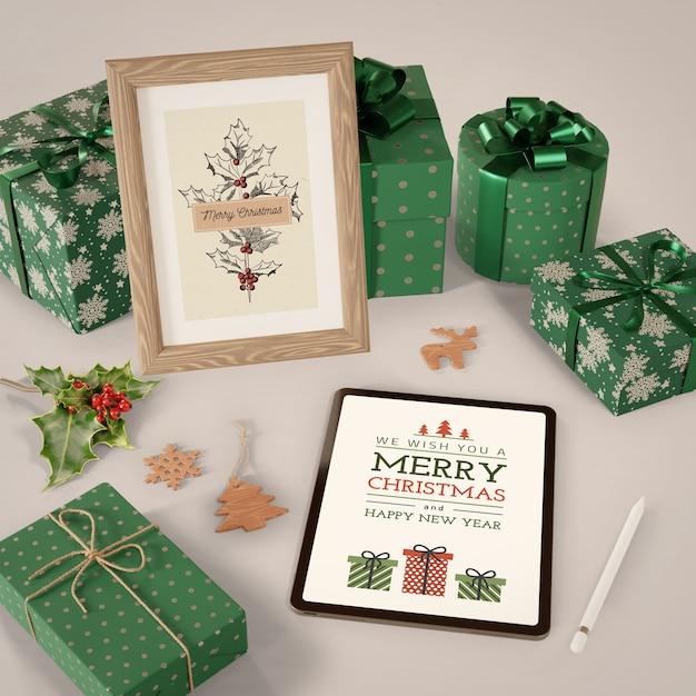 Планшет и живопись на рождественскую тему Бесплатные Psd