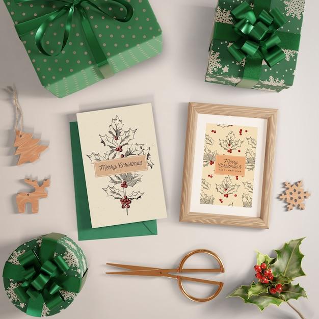 Процесс упаковки подарков макетом Бесплатные Psd