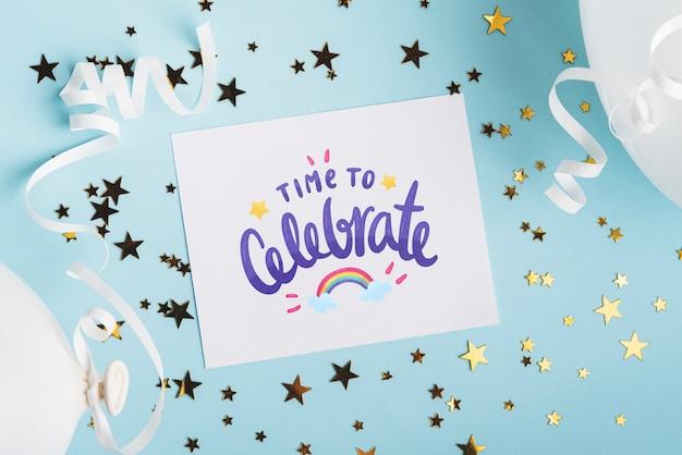 誕生日デザインのカードモックアップ 無料 Psd