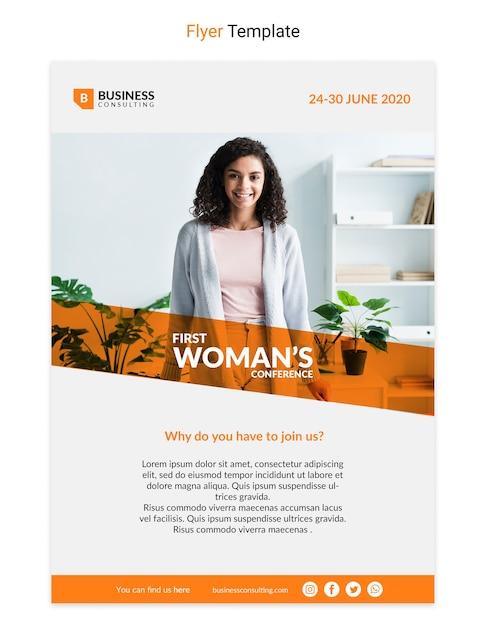 Корпоративный флаер с дизайном деловой женщины Бесплатные Psd