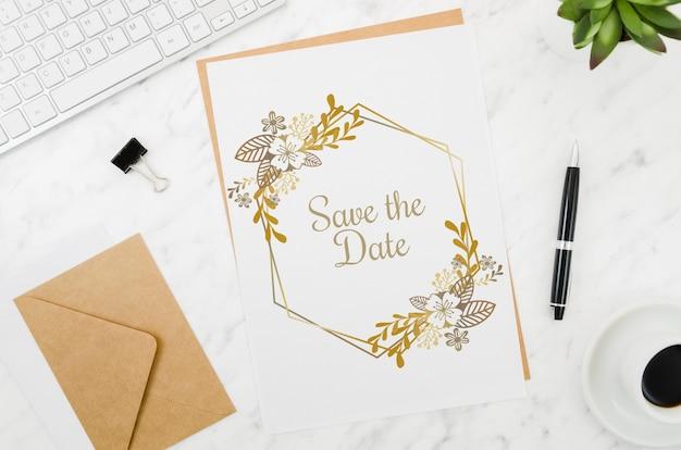 Плоский макет свадебной открытки Бесплатные Psd