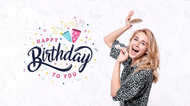 Женщина празднует день рождения Бесплатные Psd