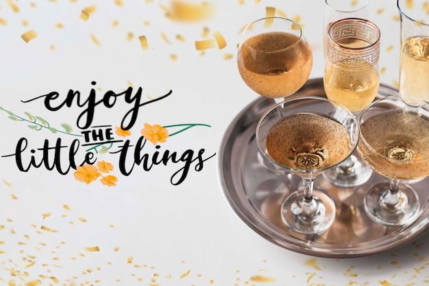 Романтическая обстановка с шампанским на день святого валентина Бесплатные Psd