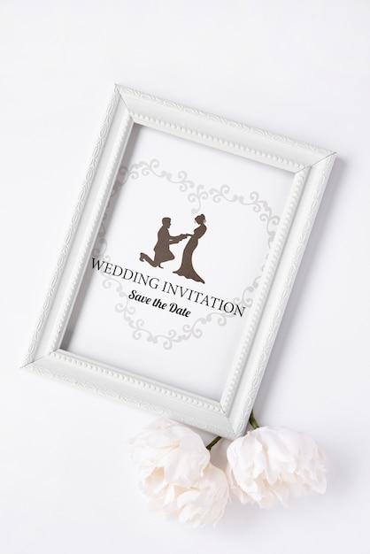 平らなレイアウトの芸術的な結婚式の招待状 無料 Psd