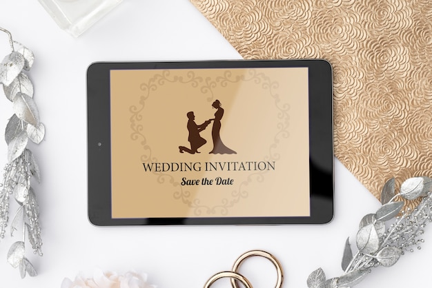 タブレットでロマンチックな結婚式の招待状 無料 Psd