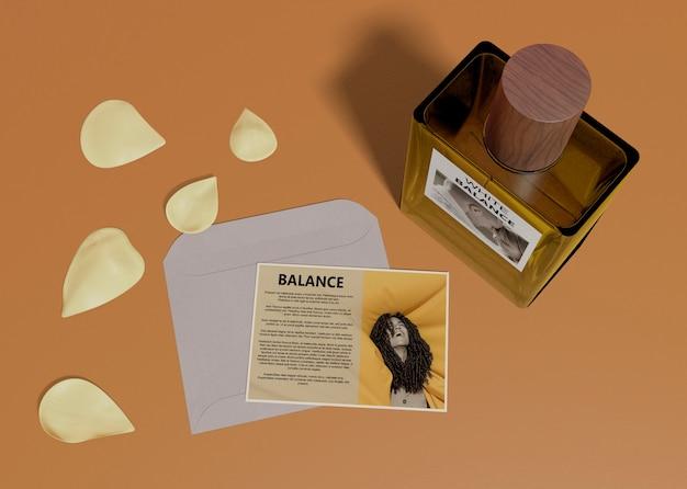 香水瓶の説明カード 無料 Psd