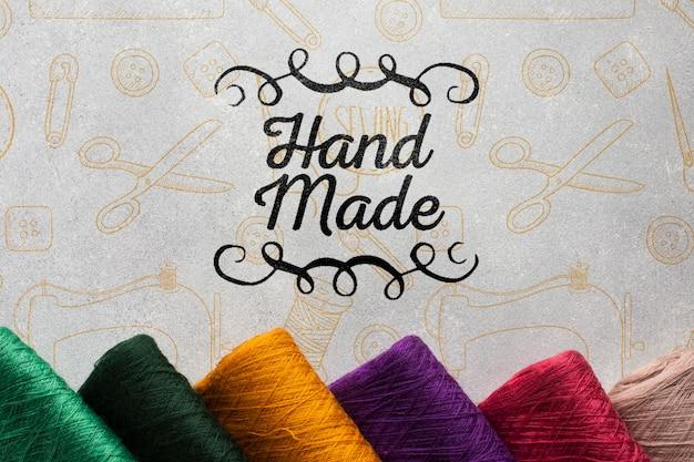 編み糸で手作りのモックアップ 無料 Psd