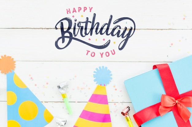 Празднование дня рождения с подарками Бесплатные Psd