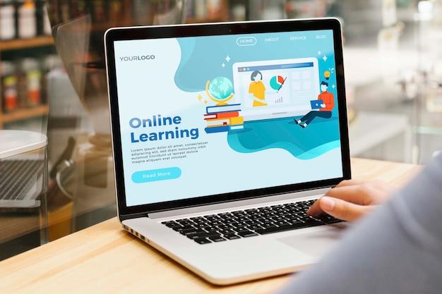Крупным планом онлайн обучения целевой страницы Бесплатные Psd