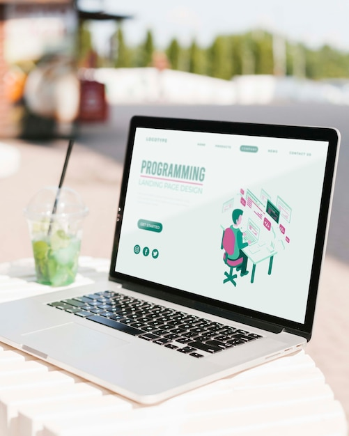 Макро ноутбук с программированием целевой страницы Бесплатные Psd